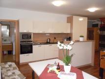 javorov-apartmn-kuchy