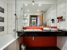 suite-room-bathroom
