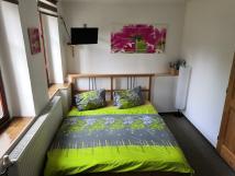 dvojlkov-postel-180-x-200-cm-v-obytnm-prostoru-v-pzem