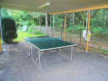 zasteen-stoln-tenis